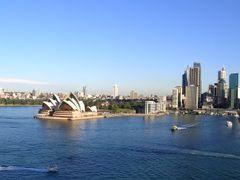 Vista parcial desde el Puente de Sidney. Australia.  by <b>Mar?a Fernando</b> ( a Panoramio image )