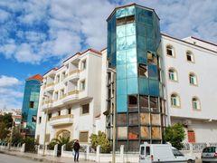 Rozpadajacy sie budynek w Tabarce by <b>Krzysiek.W</b> ( a Panoramio image )