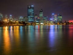 Perth City across Swan River by <b>S?ren Terp</b> ( a Panoramio image )