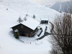 Bergbauernhof Ennetmoos, meine Geburtsstatte by <b>Ruedi ?(?o?)</b> ( a Panoramio image )