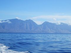 AUAU CHANNEL - looking back at Maui by <b>stabins</b> ( a Panoramio image )
