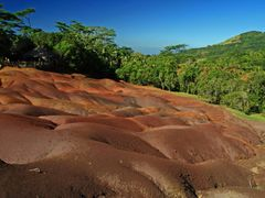 7 coloured earth near chamarel Mauritius by <b>Cato75</b> ( a Panoramio image )