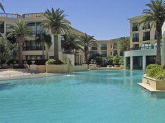 versace hotel by <b>rosina lamberti</b> ( a Panoramio image )