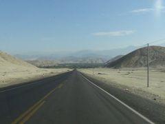 Panamericana Norte, llegando a Casma by <b>Roberto Chapilliquen A.</b> ( a Panoramio image )