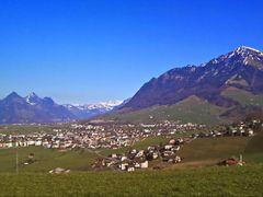 wunderbarer Blick uber das Nidwaldner Land by <b>Ruedi ?(?o?)</b> ( a Panoramio image )