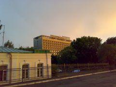 "Hotel Leninabad - Гостиница ""Ленинабад"" by <b>KPbICMAH</b> ( a Panoramio image )"