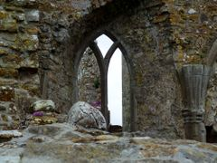 Abadia de Clonmacnoise  by <b>AnaMariaOss</b> ( a Panoramio image )