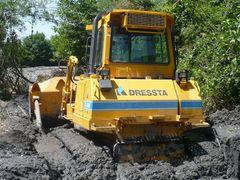 Stuck bulldozer by <b>dense2002</b> ( a Panoramio image )