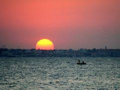 Tunezja: Monastir - zachod Slonca nad Sousse by <b>Krzysztof [uksp]</b> ( a Panoramio image )