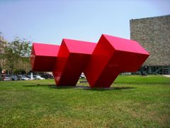 Statue-?? by <b>??(Min)</b> ( a Panoramio image )