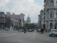 Prado. Monumento a Juan Clemente Zenea by <b>Abilio Estevez</b> ( a Panoramio image )