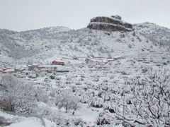 Panoramica de Benizar con su Castillo by <b>eurojuancho</b> ( a Panoramio image )