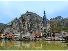 Dinant -- Collegiale Notre-Dame by <b>dziwnowik</b> ( a Panoramio image )