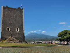 """Il Castello Normanno e l"""" Etna. Paterno, Catania. by <b>Nicola e Pina in Sicilia</b> ( a Panoramio image )"""