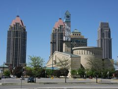 Mississauga City Hall by <b>Paul van den Ende</b> ( a Panoramio image )