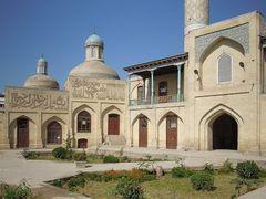 Innenhof der ehemaligen Mullo-Kyrgiz-Medrese by <b>EbSp</b> ( a Panoramio image )