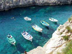 Wied Iz-Zurrieq Malta by <b>Mario Mizzi</b> ( a Panoramio image )
