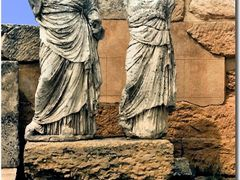 Statues in the Core and Demeter Temple (April, 1981) by <b>Maciejk</b> ( a Panoramio image )
