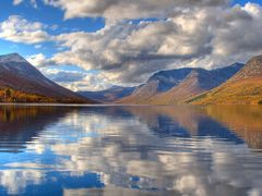 Gjevilvatnet lake in Oppdal by <b>Sigmund Rise</b> ( a Panoramio image )