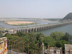 Prakasham Barrage,Railway Bridge,Vaaradi Across River Krishna,Vi by <b>kamalakaranthati</b> ( a Panoramio image )