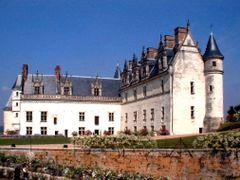 Ka/ Amboise Schloss by <b>Karthauser</b> ( a Panoramio image )