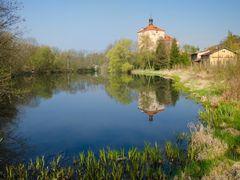 Malesov - stredoveka tvrz ze 14. stoleti by <b>Mirka Scharfnerova</b> ( a Panoramio image )
