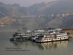 Yangtze River- view from cruise- four days sailing upstream from by <b>Rafal K. Komierowski</b> ( a Panoramio image )