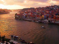 Porto, Vila Nova de Gaia - Vista panoramica do Mosteiro da Sierr by <b>Christos Theodorou</b> ( a Panoramio image )