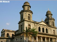 Managua Old Cathedral by <b>millicon</b> ( a Panoramio image )