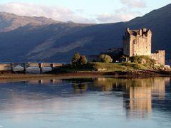 Eilean Donan Castle by <b>donaldw</b> ( a Panoramio image )