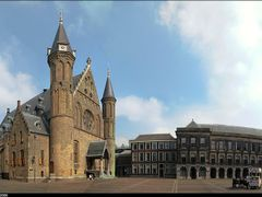 Binnenhof with Ridderzaal, Den Haag (The Hague), the Netherlands by <b>Marco Langbroek</b> ( a Panoramio image )