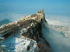 Veduta San Marino innevato by <b>al5x</b> ( a Panoramio image )