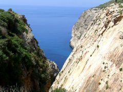 Cliff Hanging at Ghar-Lapsi Malta by <b>Mario Mizzi</b> ( a Panoramio image )