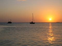 Sunset Staniel Cay Yacht Club dock by <b>tedsbrown</b> ( a Panoramio image )