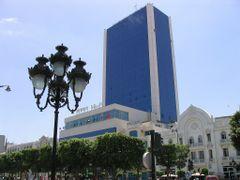 Avenue Habib-Bourguiba, Tunis by <b>LiborM.net</b> ( a Panoramio image )