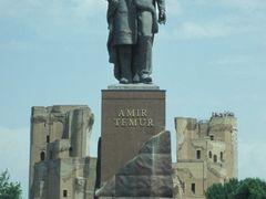 Statue of Amir Timur (Tamerlane) by <b>Kaylash</b> ( a Panoramio image )
