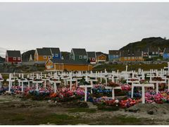 Friedhof in Paamiut - GREENLAND by <b>Irene Lachner</b> ( a Panoramio image )