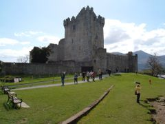 Ross Castle by <b>indijanac dzons</b> ( a Panoramio image )