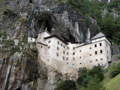 Predijama Castle by <b>ElMac</b> ( a Panoramio image )