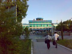 Khujand airport - Аэропорт Худжанда by <b>KPbICMAH</b> ( a Panoramio image )