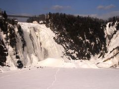chutes montmorency en hiver Quebec-2007-canada by <b>bodha</b> ( a Panoramio image )