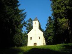 Kapelica (Chapel) - Trakoscan by <b>Marcel Mlinaric - CROATIA</b> ( a Panoramio image )