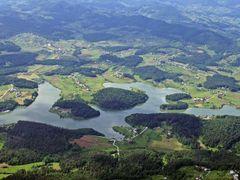 Smartinsko jezero by <b>Matej B</b> ( a Panoramio image )