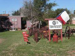 "Dot""s Mini Museum ,Vega , TX by <b>itss_yyama</b> ( a Panoramio image )"