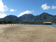 Hanalei Beach, Mountains, and Pier by <b>Mitch_?</b> ( a Panoramio image )