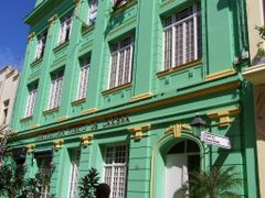 Renovated building in Habana by <b>Bob Taylor</b> ( a Panoramio image )