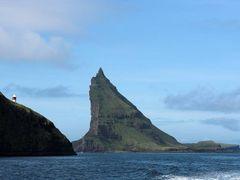 Tindholmur, S?rvagsfj?r?ur by <b>Jorg Schuricht</b> ( a Panoramio image )