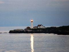 Portland Head Light, ME 8-1998 by <b>tim_farmer</b> ( a Panoramio image )
