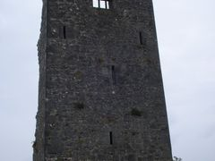 OLD CASTLE NEAR  BEHAG - GAILLIMH - IRELAND by <b>Ana F. S. Galvao</b> ( a Panoramio image )