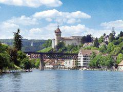 Munot, Schaffhausen by <b>digitalfotoarchiv.ch</b> ( a Panoramio image )